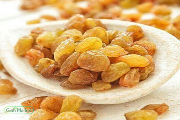 Market for buying and selling golden yellow raisins