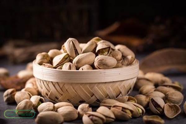Selling raw Iranian pistachios
